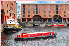 NARROWBOAT IN ALBERT DOCK. (tommypatto ~ IMAGINE.) Tags: liverpool boats barcos canals albertdock narrowboats inlandwaterways rememberthatmomentlevel1 rememberthatmomentlevel2