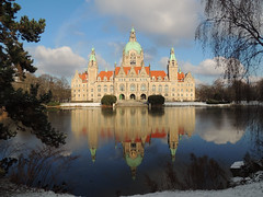 Winterday - Rathaus im Winter (Eisgrfin (very busy)) Tags: reflection germany hannover neuesrathaus winterday abigfave eisgrfin mygearandme mygearandmepremium mygearandmebronze mygearandmesilver flickrstruereflection2 flickrstruereflection3 flickrstruereflection4 rememberthatmomentlevel1 rememberthatmomentlevel2 rememberthatmomentlevel3