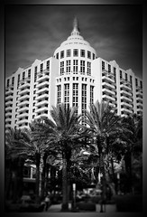 A dream in Summer (*atrium09) Tags: bw usa beach architecture palms hotel florida miami balcony united palmeras loews stated atrium09 rubenseabra