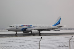 Yamal Airlines VP-BCU (Daniel Rinner) Tags: salzburg aircraft airbus airlines a320 yamal firstvisit airbusa320 a320200 yamalairlines wamozartairport vpbcu yamalsalzburg yamalaero
