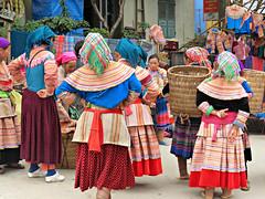 Flower Hmong (Linda DV) Tags: people canon geotagged asia southeastasia market culture vietnam tribe minority hmong 2012 bacha ethnicminority flowerhmong bch variegatedhmong culturaltravel lindadevolder powershotsx40 ethnictravel