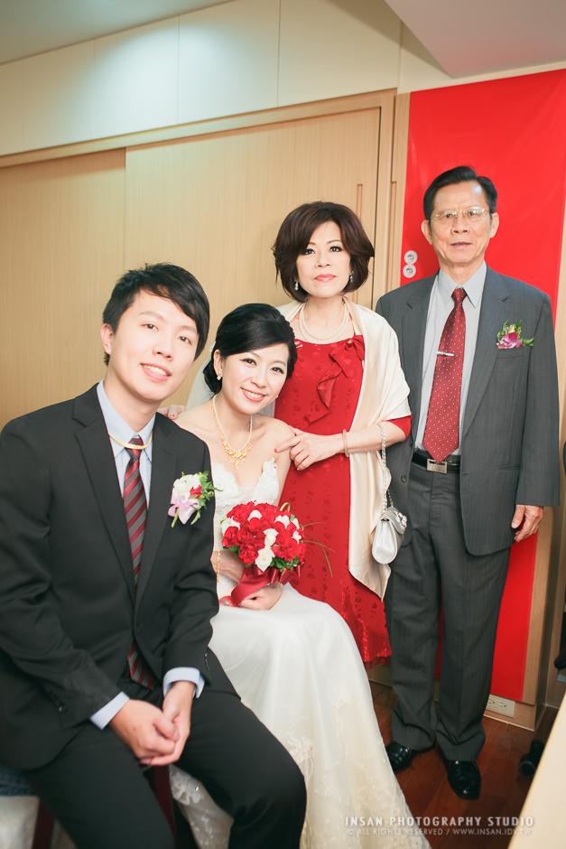 wed20121109_0933