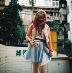 in taiwan (waiyuhk) Tags: 120 6x6 girl mediumformat kodak taiwan kiev88 arsat ektar