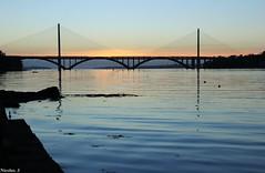 Pont de l'iroise (Nico_bzh29) Tags: light sunset orange sun reflection colors architecture night soleil lumire low coucher bretagne reflet brest pont passage couleur finistre iroise daoulas plougastel