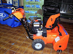 Simplicity 1924E Snow Thrower. (dccradio) Tags: wisconsin mall farming equipment machinery ag agriculture wi agricultural farmequipment farmshow marshfield farmmachinery centralwisconsin shoppesatwoodridge marshfieldmall wisconsinfarming machineryshow agshowagricultureshow