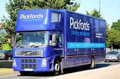 VOLVO FM - PICKFORDS (scotrailm 63A) Tags: lorries trucks removals