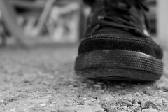 DATSUZOKU; Escape de la rutina Diaria. (Lucia Cortés Tarragó) Tags: shoes love playa beach mallorca canon sea sand cordones fuerte strong canon100d music