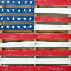 Painted Pallet (VenturaMermaid) Tags: flag painted wooden pallet creative wallhanging artistic redwhiteandblue patriotic stars tomsplace red white blue