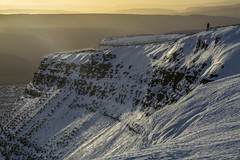 Early Morning Walkers View Brecon Beacons (glenn porter) Tags: rambling brecon beacons wales snow ice walking morning sun rise sunset sunrise climber