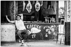 carnico ... (SvenConquest) Tags: street photography streetphotography streetfotografie spezial reportage dokumentation outdoor bw monochrome classicblackwhite noiretblanc city people urban conquest cuba havanna