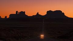 *Good night America* (albert.wirtz) Tags: usa unitedstates amerika america vereinigtestaaten albertwirtz nikon d700 stativ abendstimmung eveninglight sunset sonnenuntergang nachsonnenuntergang aftersunset monumentvalley navajo navajonation nativeamericans silhouette greatamericanwest wildwest