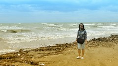 Girl by the sea (Ron27ald) Tags: water iloilo philippines nikon nik d7000 outdoor shore