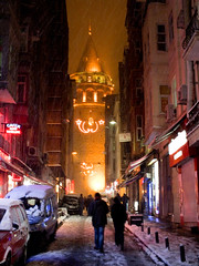 Snow in Istanbul (CyberMacs) Tags: snow tower weather turkey fort trkiye ruin places istanbul trkorszg bastion galata kule beyolu galatatower galatakulesi towerofchrist christeaturris constantinoble galatasurlar othernames galatawalls