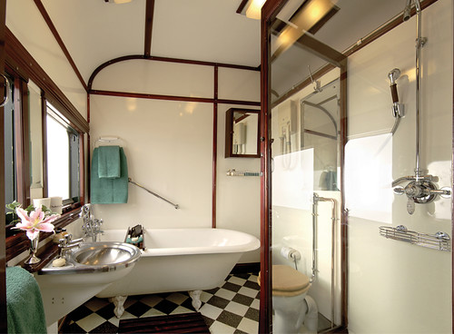 Rovos Rail from the Luxury Train Club - Royal Bathroom