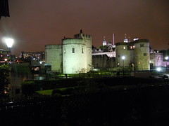 Tower of London by night (Sam_Rothstein) Tags: london nikon s3000