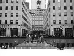 "Rockefeller towards Fifth Avenue • <a style=""font-size:0.8em;"" href=""http://www.flickr.com/photos/59137086@N08/8544385082/"" target=""_blank"">View on Flickr</a>"
