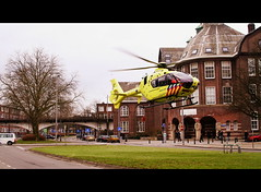 To the rescue! (PSG-79) Tags: rotterdam ambulance helicopter 112 takeoff eurocopter ec135 zuidholland helikopter mmt traumaheli bergselaan traumahelikopter emgergency lifeliner2 medicalairassistance