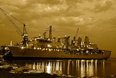 RFA FORT VICTORIA, Bahrain (Ugborough Exile) Tags: bahrain nikon gulf ships royalnavy fortvictoria rfa gace aor 2013 d80 royalfleetauxiliary a387