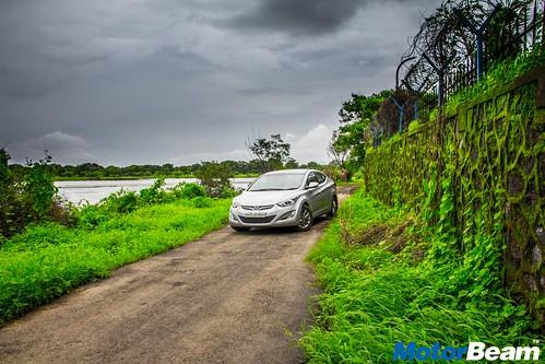 Hyundai-Elantra-Facelift-Long-Term-12