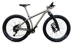 a-travers-RUSSTi-lauf (Travers Bikes) Tags: boost titanium frame travers mtb russti 275 650b traversbikes rim lauf laufforks xt