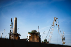Over the Wall (Feckles) Tags: battersea batterseapowerstation london sonya7 urban cityscape