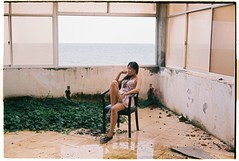 (tayn3) Tags: vietnam yashica electro35 afga vista 400 analog film 35mm scanned croplab vietnamese girl vungtau abandoned hotel ocean