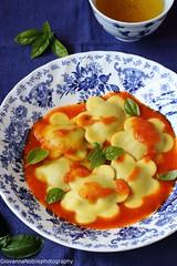 Ravioli con ricotta di capra e melanzane 14 (Giovanna-la cuoca eclettica) Tags: ravioli melanzane pomodori erbearomatiche herbs food primipiattiabasediverdure ricotta