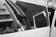 Desconfianza, Bogotá (RoryO'Bryen) Tags: desconfianza anxiety mistrust roryobryen rangefinder bogotá blancoynegro street streetlife streetphotography leicasummiluxm35mmf14asph leicamp 35mmsummiluxmasph 35mm film yesfilm rodinal ilfordfp4 iso125 copyrightroryobryen