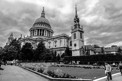 st. paul's cathedral b&w (phooneenix) Tags: pauls cathedral london