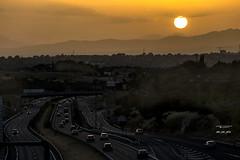 Al final del da 250_2016_7363 (Jos Martn-Serrano) Tags: proyecto proyecto366 proyecto365 365 366 puestadesol sol ocaso sunset sun trafico atasco coches vehiculos