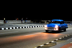 Noche por Malecon (jbeltran61) Tags: cuba malecon habana night autos noche nocturnas pescador avenidas
