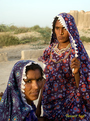 Women posing in thar Desert (Tanwir Jogi) Tags: travel pakistan colour beautiful trekking trek women colours child dress desert fort traditional printing cannon block traveling cloth tours handicrafts making sind lahore thar treks mehran jogi g9 ajrak beautifulpakistan trekkinginpakistan hinduwomen nagarparkar naukot smallindustries coloursofpakistan cannong9 tanwir travelinginpakistan thariwomen thetrekkerz tourisminpakistan tanwirjogi craftsofpakistan thariwoman