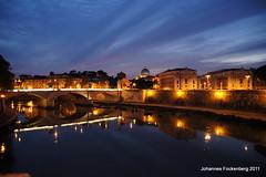 St. Peter Rom (grafenhans) Tags: light rome roma sony low tiber tamron rom petersdom engelsbrücke 281750 slt55