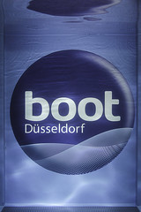 Boot 2013 (marcjohn.de) Tags: water pool germany logo deutschland boot wasser scuba diving surfing nrw wakeboarding watersports dusseldorf dsseldorf brand messe skimboarding skim watersport tradefair tauchen becken freiberuflich bildjournalist wasserport mjohn2101 marcjohnde