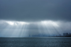 Fortunate Sun (pantagrapher) Tags: winter sunlight lake chicago skyline nikon gbrearview michigan chicagoist d600