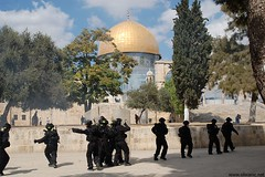 clash jerusalem (aboumyriam2000) Tags: architecture muslim islam jerusalem mosque arabic arab quarter oldcity  islamic     syrie palestinian   aqsa mamlouk quds         silwan                                qouds    palestine
