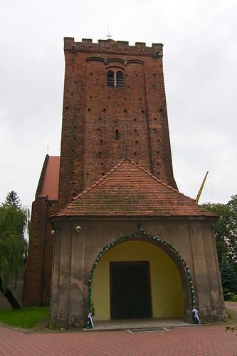 Kruchta przed wieżą kościoła Narodzenia NMP w Kałkowie