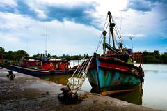 Tok Bali (Mohafiz M.H. Photography (www.lensa13.com)) Tags: panorama fish tourism landscape boat fishing fisherman nikon moody village cloudy lifestyle malaysia lightroom kelantan tokbali d7000