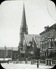 H001035 Mount Pleasant Congregational Church, Hastings c.1904 (East Sussex Libraries Historical Photos) Tags: houses church architecture costume terrace streetlamp library mountpleasant victorian steeple lamppost shops hastings congregationalchurch magiclanternslide