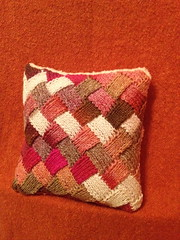 IMG_2835 (jessie is skoopy) Tags: tricot knit craft pillow imadethis entrelac