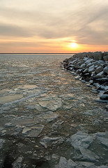 _MG_3484b_stitch (Nick Mischo) Tags: sunrise milwaukee lakeshore floatingice