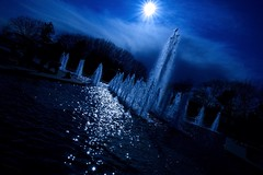 (Juan Rostworowski) Tags: blue light sun art water fountain vancouver photography photo nikon exposure foto angle juan perspective splash nikkor tilt queenelizabethpark d600 rostworowski