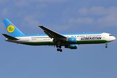 UK67004 15082016 (Tristar1011) Tags: eddf fra frankfurtmain boeing uzbekistanairways 767300 b763 uk67004