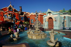 """The Roger Rabbit Fountain • <a style=""""font-size:0.8em;"""" href=""""http://www.flickr.com/photos/28558260@N04/29117163822/"""" target=""""_blank"""">View on Flickr</a>"""