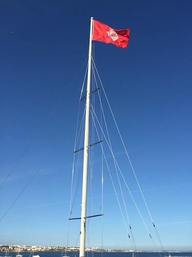cascais flag yacht