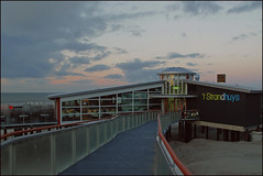 't Strandhuys (Elly Snel) Tags: ameland eiland island nl tstrandhuys beachrestaurant strandtent zonsondergang sunset blauw blue