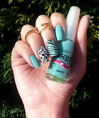 Malts - Risque (Fer Valquiria) Tags: risqu nailart nails nailpolish polishnails polish adesivo pelcula pelculadeunhas estilorosa