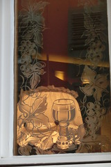 Weinstube (Renate Karle) Tags: tbingen lampe weinstube fenster