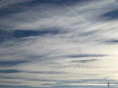 25.09.2016 - 17:34h (Ellenore56) Tags: 25092016 himmel sky heaven wolke wolken cloud clouds halo lichteffekt reflexion brechung lichtbrechung lichtflecken farbig opticalphenomena colored spotsinthesky refracted prism refraction lightrefraction wetter weather formation struktur structure himmelwärts skyward heavenward atmosphäre atmosphere physik physics atmosphericphysics phänomen phenomenon opticalphenomenon sonne sun sonntag sunday september detail moment augenblick sichtweise perception perspektive perspective reflektion reflection farbe color colour licht light inspiration imagination faszination magic panasonicdmctz61 ellenore56