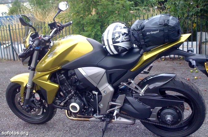 Honda CB 1000R Dourada